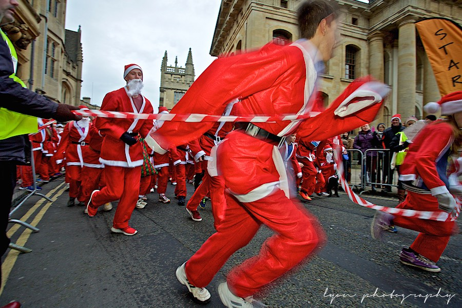 Oxford Running Santas 14-12-14, Helen & Douglas House